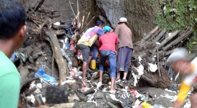 Evakuasi korban di dasar jurang, Kamis (14/04/2016)