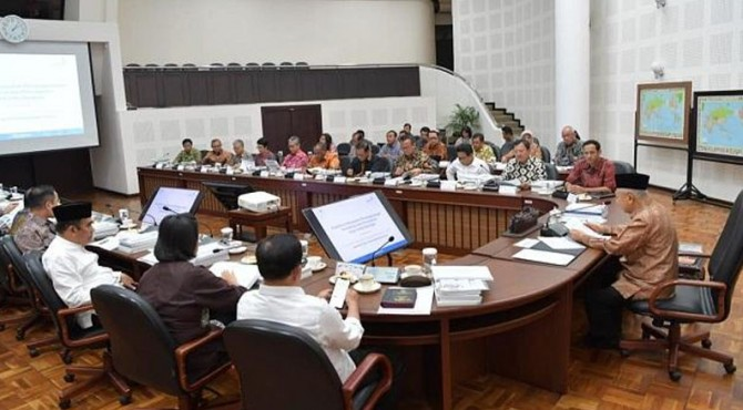 apres KH Ma'ruf Amin pimpin rapat Penanggulangan Kemiskinan dan Penanganan Stunting
