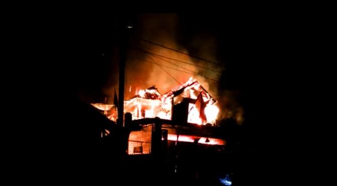 Kebakaran ruko di Pasaman