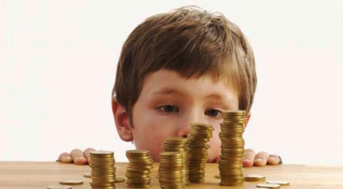 ilustrasi mengajarkan anak investasi