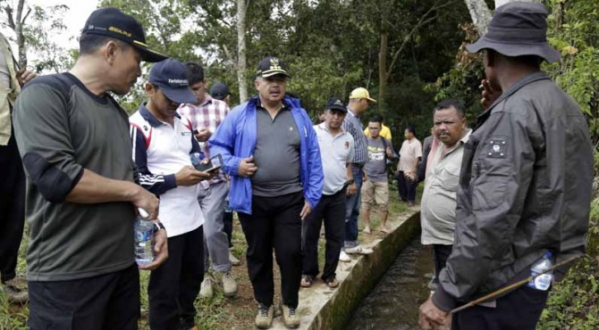 Wawako Solok H. Zul Elfian berdiskusi lepas terkait pengoptimalan sumber air Batang Imang Payo.