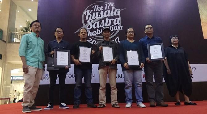 Pemenang dan para nominasi  Kusala Sastra Khatulistiwa Kategori Puisi
