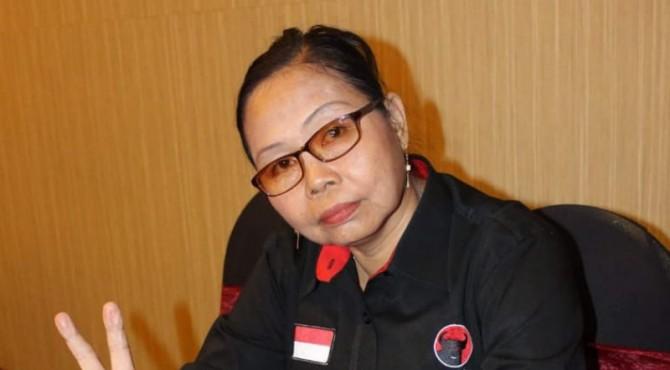 Kepala Bidang Organisasi PDI-P, Yeni S Tanjung