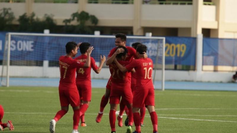 Pemain Timnas U-22 merayakan gol ke gawang Laos
