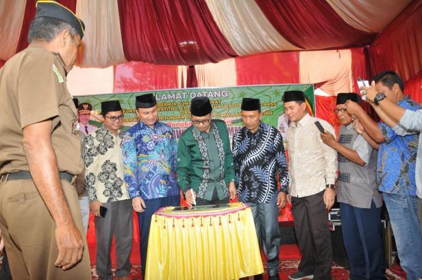 Gubernur Sumbar Irwan Prayitno meresmikan Madrasah Tsanawiyah Muhammadiyah Sitalang, Kecamatan IV Nagari, Kab. Agam, Sabtu (25/1/2020)