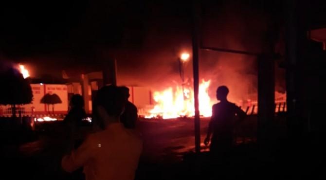 Kebakaran di SPBU Gaduik, Minggu (13/10/2019)