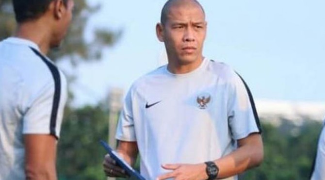 Asisten pelatih Timnas Indonesia U-22, Nova Arianto.
