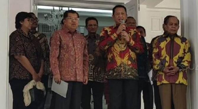 Ketua MPR Bambang Soesatyo di rumah dinas Wapres Jusuf Kalla.