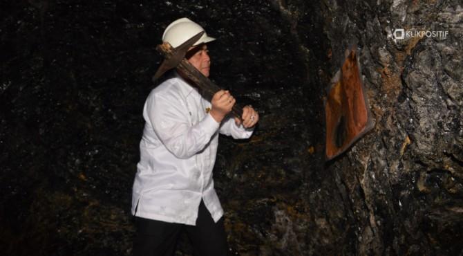 Wagub Sumbar Nasrul Abit saat meninjau Tambang Batu bara Ombilin Sawahlunto