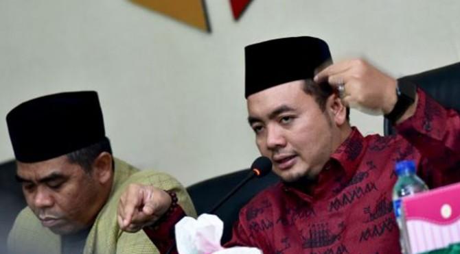 Koordinator Divisi Pengawasan dan Sosialisasi Bawaslu Mochamad Afifuddin saat memberikan pengarahan dalam diskusi di kantor Bawaslu Provinsi Sulawesi Tenggara (Sultra), Rabu (2/10/2019) malam