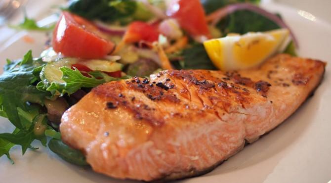 Penelitian baru dari Yunani menunjukkan makanan yang tepat dapat mengurangi peradangan saluran napas yang mengarah pada serangan asma.