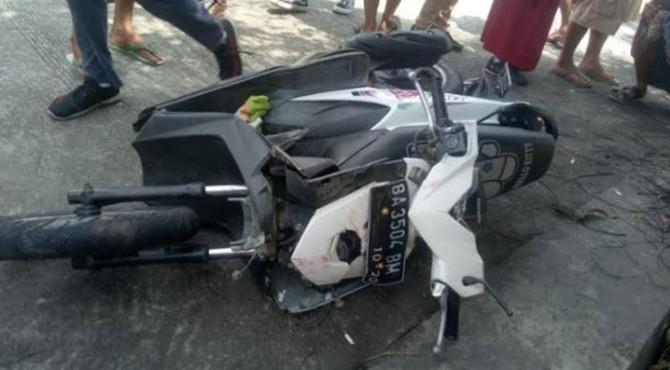 Sepeda motor yang dikendarai korban tabrakan di Pariaman