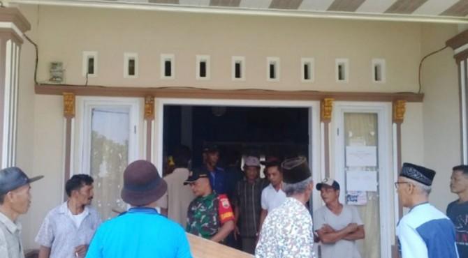 Masyarakat segel Kantor Wali Nagari Sungai Liku