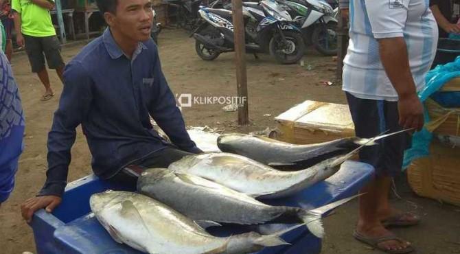 Pedagang Ikan di Pasar Banda Air Kota Padang