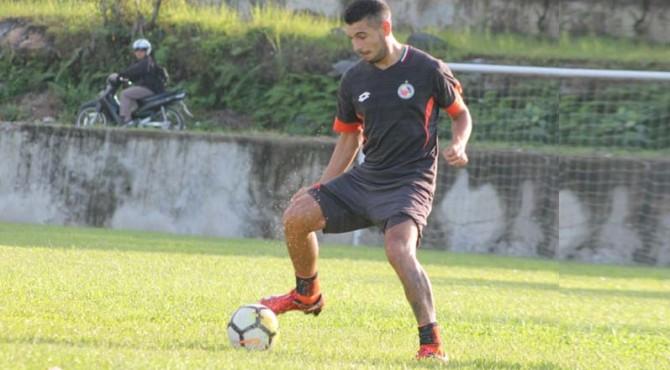 Mario Barcia saat latihan bersama Semen Padang FC.