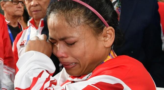 Lisa Setiawati tak bisa membendung air matanya ketika gagal mempersembahkan medali emas di SEA Games 2019.