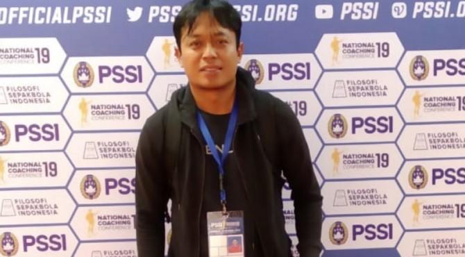 Pelatih PSKA Agam Fahmi Ismail