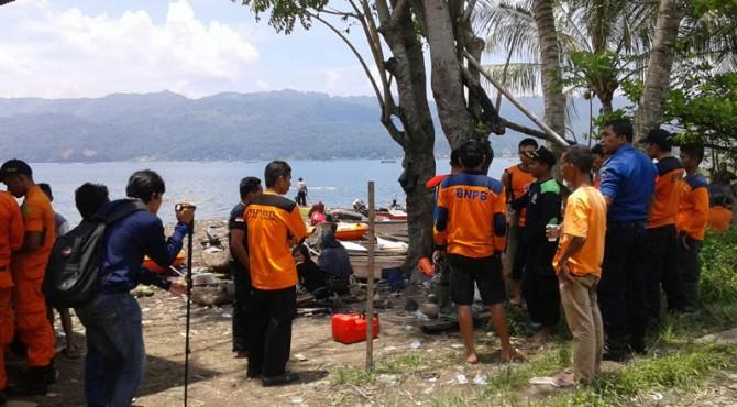 Pencarian Zul Naro di kawasan Danau Singkarak.