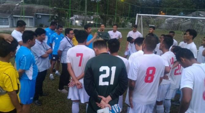 Dirum PT KSSP Rinold Thamrin Memberikan Motivasi kepada Pemain