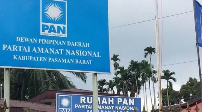 Kantor DPD Partai Amanat Nasional Pasaman Barat di Jalan Tuanku Imam Bonjol, Bancah Tarok
