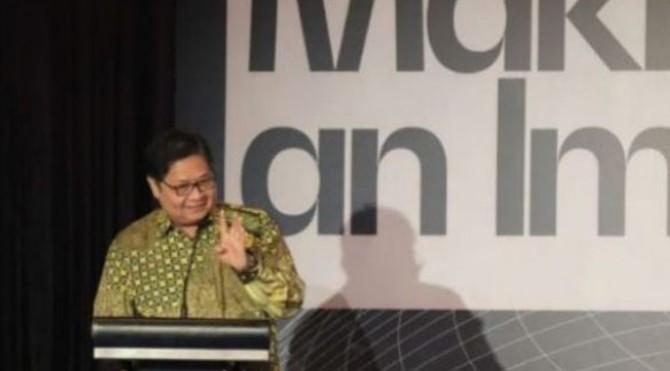 Menko Perekonomian Airlangga Hartarto menyampaikan sambutan pada acara US-Indonesia Investment Summit 2019, di Jakarta, Kamis (21/11).