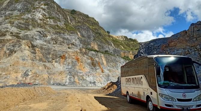 Lokasi bekas tambang batu kapur PT Semen Padang