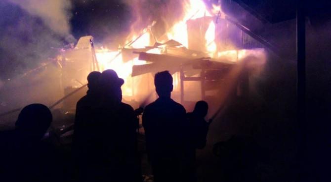 Suasana kebakaran di Kelurahan Ikua Koto Dibalai