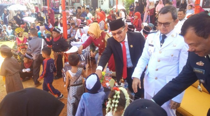 Muspika Kecamatan Mapattunggul bersama Anggota DPRD Pasaman menyaksikan penampilan bakat