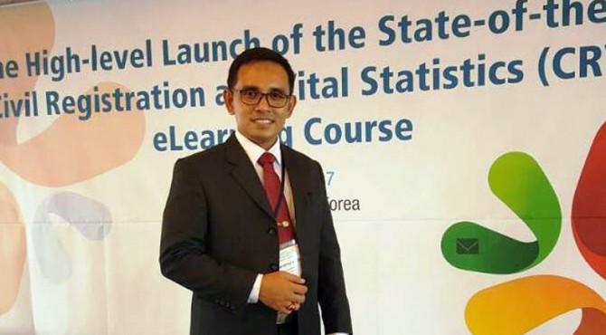 Kepala Disdukcapil Kabupaten Padangpariaman saat mengikuti pelatihan di Seoul, Korea Selatan.
