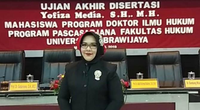 Dokter Hukum UBH, Yofiza Media, S.H, M.H.