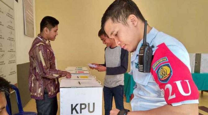 Suasana Pemilihan di TPS Khusus Rutan Kelas II B Sawahlunto