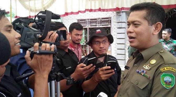 Wakil Bupati Pasaman, Atos Pratama saat diwawancarai awak media beberapa waktu lalu di Pasaman.