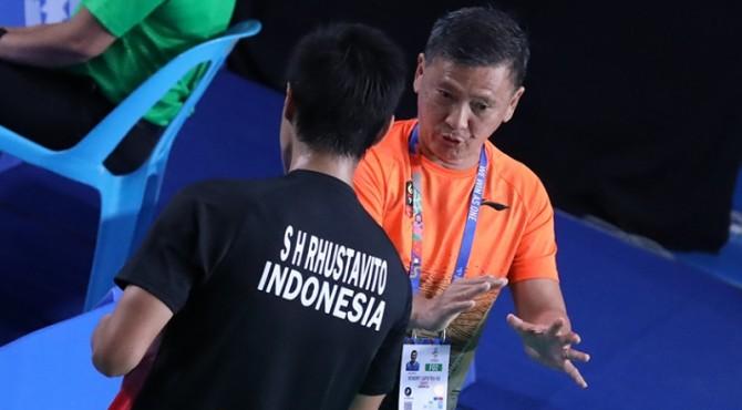 Pelatih tunggal putra, Hendry Saputra