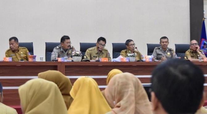 Rida Ananda memimpin rapat terakhir HUT ke-49 Kota Payakumbuh.