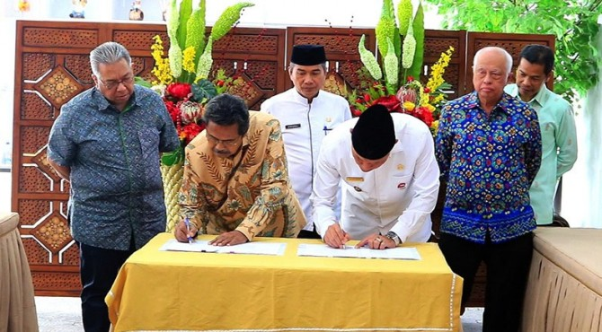 Penandatanganan kerjasama antara Pemko Padang dengan PT Kodel
