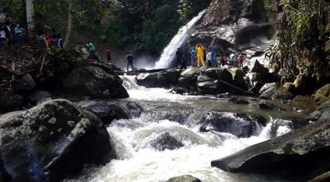 Salah satu kawasan wisata Kabupaten Solok, Air Terjun Timbulun Pisang di Nagari Koto Anau