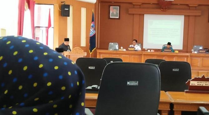 Paripurna peyampaian pandangan umum fraksi DPRD terhadap Nota Wali Kota Payakumbuh terhadap Ranperda APBD-P 2019.