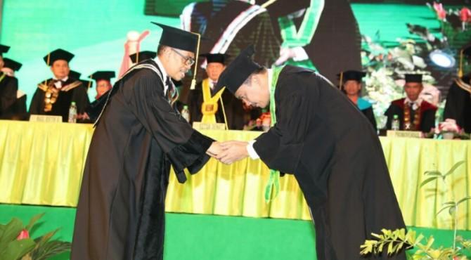 Imam Nahrawi Dianugerahi Gelar Kehormatan Doktor Causa