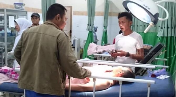 Korban kecelakaan minibus di Agam sedang menjalani perawatan.