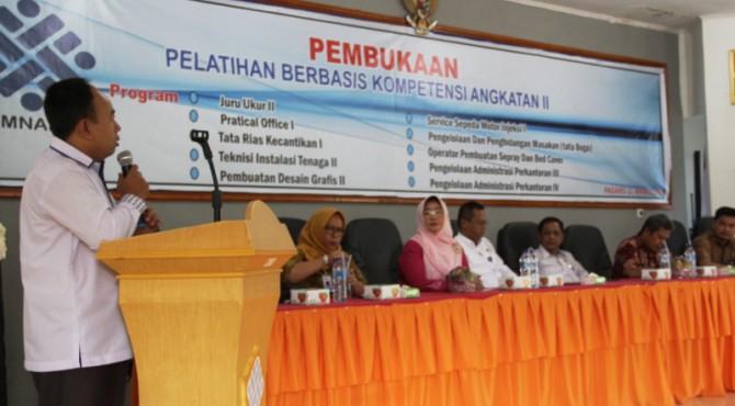 Pembukaan masa pendidikan baru angkatan II di BLK Padang