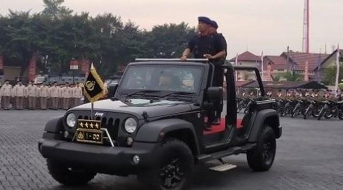 Kapolri Jenderal Polisi Idham Aziz memimpin upacara peringatan HUT Brimob ke-74 di Mako Brimob Kelapa Dua, Depok, Kamis (14/11/2019).