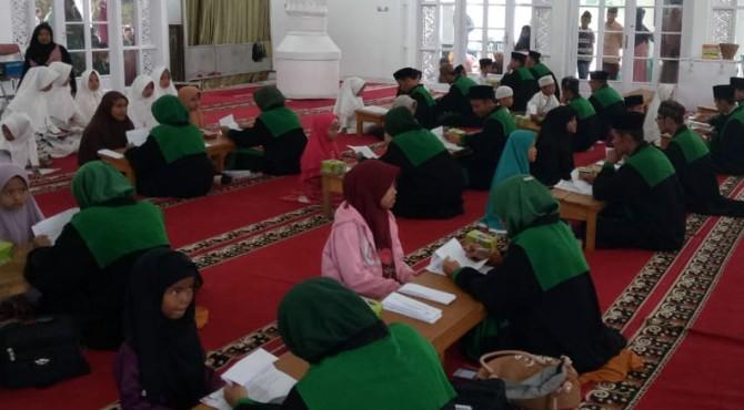 Para hafizh dan hafizhah yang mengikuti seleksi program Waqaf 1.000 Hafizh ke-4 Tanah Datar 2019.