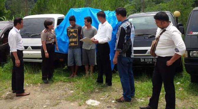 Jajaran Polres Arosuka berhasil mengamankan 17 unit mobil hasil pencurian