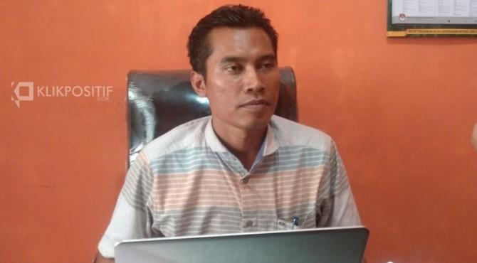 Ketua Komisi Pemilihan Umum Daerah Pasaman Barat, Alharis saat ditemui di ruang kerjanya