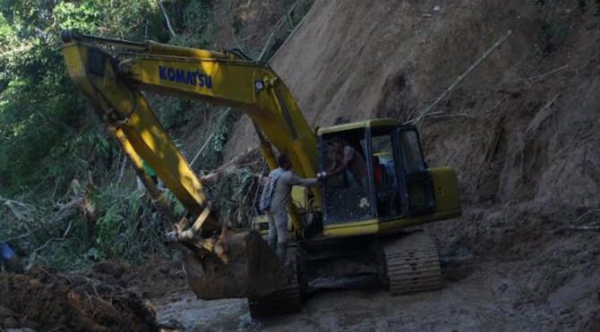 Dampak banjir bandang yang terjadi di Kabupaten Solok Selatan