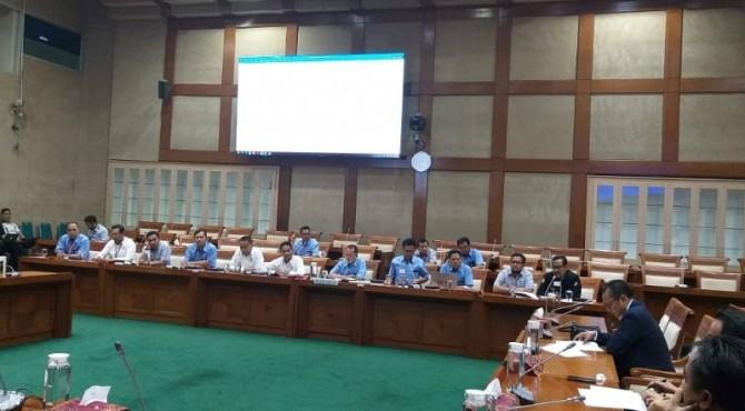 FSP ISI melakukan audiensi dengan Komisi VI DPR RI terkait usulan pencabutan Permendag no 7 tahun 2018 dan usulan dilakukan moratorium pendirian pabrik semen baru.