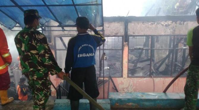 Api yang menghanguskan kantor BPBD Sawahlunto berhasil dipadamkan