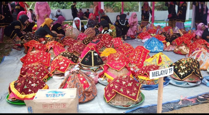Prosesi Berkaul Adat di Nagari Muaro Takuang