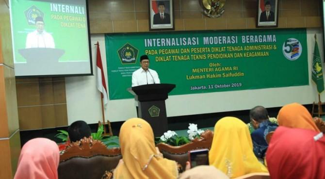 Menteri Agama Lukman Hakim Saifuddin hari ini, Jumat (11/10) bertemu dan menyapa peserta diklat