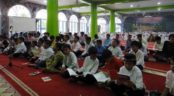 ilustrasi kegiatan Pesantren Ramadan di Padang.